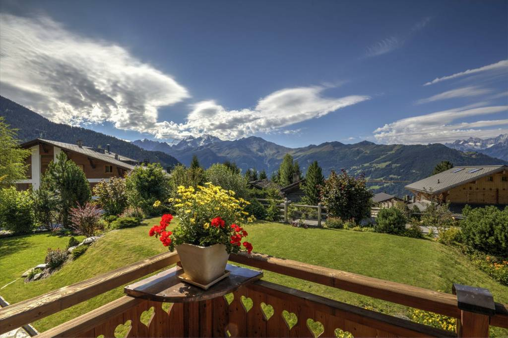Detached 4 Bedroom House In Verbier Switzerland Backyard
